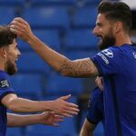 Giroud strike boosts Chelsea's Champions League dream