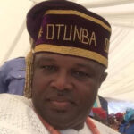 Senator Tofomowo sacks 92 aides‎