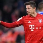 Uefa awards: Bayern Munich's Robert Lewandowski wins men's Player of the Year‎