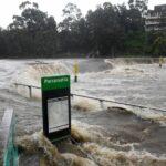 Thousands evacuated in Australia as flood worsens
